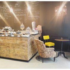 Nouveau coffee shop (encore ! Mais ça manquait à Lyon !) - jolie déco, accueil très sympa, super bon café et bonne pâtisseries faites maison = gros coup de ❤️ !