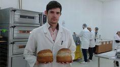 Pâinea viitorului, făcută din cânepă – invenţia de milioane a unui tânăr din Cluj. Beneficiile extraordinare pentru sănătate ale produsului medaliat cu aur