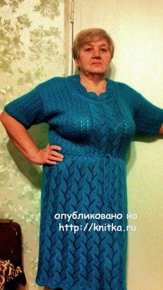 Вязаное спицами платье - работа Валентины