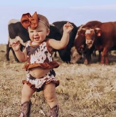 Western Baby Girls, Western Baby Clothes, Cowgirl Baby, Country Baby Boys, Country Baby Clothes, Cute Baby Names, Cute Baby Pictures, Cute Babies, Baby Cowgirl Pictures