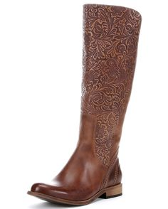Captivating details and gorgeous materials make Lucchese's Virginia Boot an instant classic. The embossed floral tooling has the richest detailing.