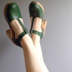 Spruce T-Straps @oleanderandpalm #spruce #highheels #tstraps #clogs #sandals #sven #svenclogs @svenclogs #shoestagram #shoes #green #stpatricksday