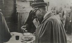 Adolf Hitler — putschgirl:   thatsmyreich:   Hitler eating.  ...