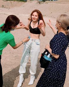 Triple H, Kpop Girl Groups, Kpop Girls, Hyuna Kim, Rapper, E Dawn, Korean Couple, Club Dresses, Pop Fashion