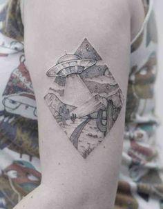 geometric line tattoo Geometric Line Tattoo, Geometric Tattoo Pattern, Triangle Tattoos, Line Tattoos, Small Tattoos, Sleeve Tattoos, Tatoos, Ufo Tattoo, Sick Tattoo