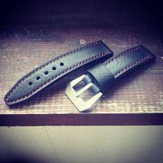 Handmade leather watch strap - black/red