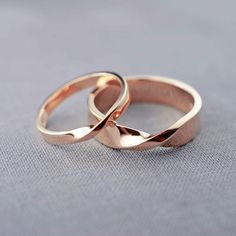 14K Rose Gold Mobius Wedding Ring Set Recycled by LilyEmmeJewelry