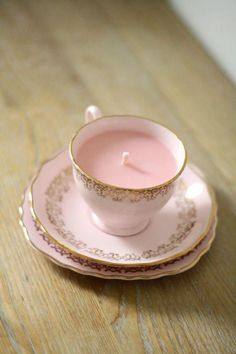 Throw your high tea party in style!  You are buying a vintage tea set trio candle in lovely soft pink and gold gilding decoration.  - The vintage trio set includes a teacup, a saucer and a tea plate with Colclough stamp at the back. Delicate pink background with gold gilding decoration. Its in a very good condition without any chip, crack, or restoration. However as with all vintage items please expect to see signs of wear from previous use, faded gilding here and there, slight mark of faded…