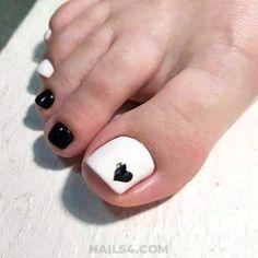 Black Toe Nails, Simple Toe Nails, Cute Toe Nails, Red Nails, White Nails, Pretty Nails, White Nail Designs, Toe Nail Designs, New Nail Colors