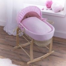 The Cotton Candy Palm Moses Basket from Clair de Lune is the perfect first bed for baby. British-made it features delicately embroidered cotton bedding and is available in Blue, Cream and Pink, perfect for girls and boys!
