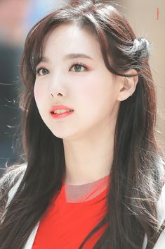 Icons Nayeon Twice K Pop Idol, My Idol, Kpop Girl Groups, Kpop Girls, Korean Girl, Asian Girl, Oppa Gangnam Style, Bts Kim, Beauty Hacks For Teens