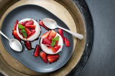 Coconut Panna Cotta with Balsamic Strawberries - this fresh, low-sugar, dairy-free dessert is really easy to make and best of all, can be made in advance.