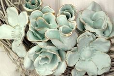 Silk flowers dipped in plaster-of-paris: You may have seen some plaster dipped items previously around the web. But I quite like this idea and thought they warranted a little time in the spotlight. Specifically, dipped faux flowers. Faux Flowers, Diy Flowers, Fabric Flowers, Paper Flowers, Diy Projects To Try, Crafts To Make, Fun Crafts, Craft Projects, Plaster Crafts