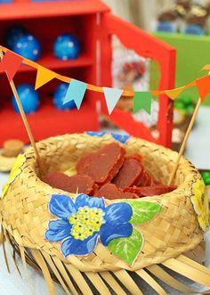 detalhe mesa para festa junina