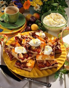 Unser beliebtes Rezept für Aprikosen-Pflaumen-Kuchen und mehr als 55.000 weitere kostenlose Rezepte auf LECKER.de.