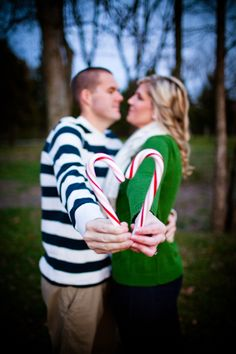 christmas engagement  morganmariephotography.com