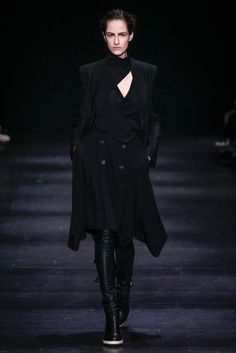 See the complete Ann Demeulemeester Fall 2014 Ready-to-Wear collection.