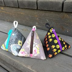 Sewing Bags Anette L syr och skapar: Beskrivning till tetror Sewing Blogs, Easy Sewing Projects, Sewing Hacks, Sewing Tutorials, Sewing Crafts, Sewing Patterns, Twister Quilts, Coin Purse Tutorial, Textiles