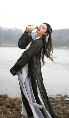 "changan-moon: ""traditional chinese hanfu by 宴山亭 """