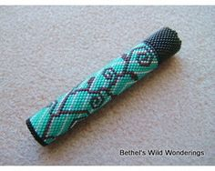 Turquoise & Vine Needle Case Pattern