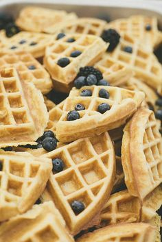 With a morning wedding it's easy to please different palettes with breakfast foods.