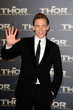 ~~Tom Hiddleston Photos - Zimbio~~