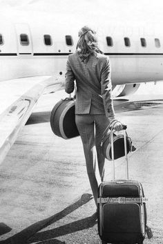 Remember to look chic when traveling, best to always make a statement