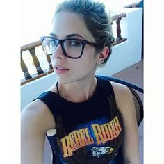 Ashley Benson shows off her new glasses. Ashley Benson Style, Pretty Litte Liars, Spencer Hastings, New Glasses, Love Her Style, Geek Chic, All About Fashion, Beautiful People, Beautiful Women
