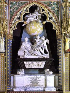 Tomb of Isaac Newton, Westminster Abbey, located in the north side of the nave. Grab von Isaac Newton, Westminster Abbey, an der Nordseite des Kirchenschiffs. Isaac Newton, Westminster Abbey London, Famous Tombstones, Famous Graves, Cemetery Art, Effigy, Kirchen, Art And Architecture, History