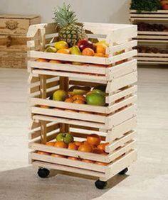 Yesterday findest of the die weltbesten DIY Party Deko Bastelideen! - MENDY - The Sunday decor idea: Vegetable storage on wheels – Deco # # - Pallet Projects, Home Projects, Pallet Ideas, Crate Ideas, Woodworking Projects, Woodworking Box, Vegetable Storage, Fruit Storage, Food Storage