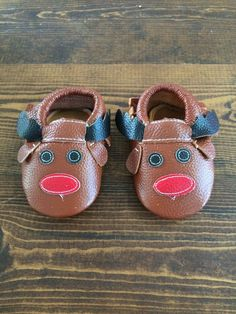 The most adorable Rudolph the Red Nosed Reindeer moccasins!