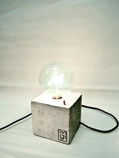 SQUARE, handmade concrete lamp with a switch and textile cable