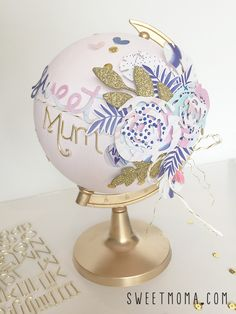 globo terráqueo Globe Art, Globe Decor, Simple Christmas, Christmas Diy, Painted Globe, Globe Crafts, Ideas Geniales, Scrapbooking, Tumblr