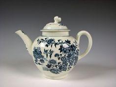 Antique Blue & White Worcester English Porcelain 18th Century Teapot Crescent mk