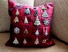What a fun way to enjoy and display a collection of vintage Christmas pins!