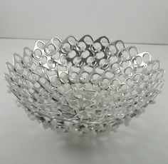 Creative recycling with can tabs. Today for you we have selected 20 creative ideas to recycle can tabs. Soda Tab Crafts, Can Tab Crafts, Tie Crafts, Pop Top Crafts, Pop Can Tabs, Soda Tabs, Bottle Cap Art, Aluminum Cans, Pop Cans