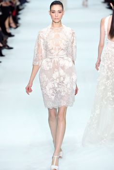 Celebrities who wear, use, or own Elie Saab Spring 2012 Couture Embroidered Lace Dress. Also discover the movies, TV shows, and events associated with Elie Saab Spring 2012 Couture Embroidered Lace Dress. Elie Saab Couture, Couture Mode, Couture Fashion, Runway Fashion, Fashion Show, Paris Fashion, Elie Saab Printemps, Lace Dress, Dress Up