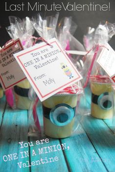 """DIY Valentine Minion Pudding Snack """"You're One in a Minion"""" via @kitchenfun3sons and @stephanickety with free printable! #ValentinesDay"""