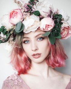 Natural Hair with Flower Crown Drawing Natural Hair with Flower Crown Drawing. Natural Hair with Flower Crown Drawing. butterflies In Her Hair in flower crown drawing Just Gorgeous Photography Women, Amazing Photography, Portrait Photography, Photography Flowers, Photography Aesthetic, Photography Gallery, Night Photography, Product Photography, Food Photography