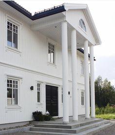 Garage Doors, Houses, Outdoor Decor, Home Decor, Homes, Decoration Home, Room Decor, Home Interior Design, House