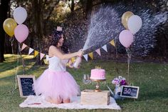 Popular ideas for birthday photoshoot simple 30th Birthday Themes, 40th Bday Ideas, Thirty Birthday, Birthday Cake Smash, Birthday Ideas, Birthday Gifts, Ballon Banner, Adult Cake Smash, Birthday Party Photography