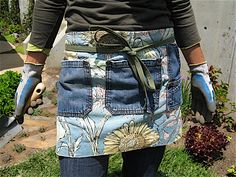 Gardening apron by Ginger. So easy even I could make one (but hers is much prettier).