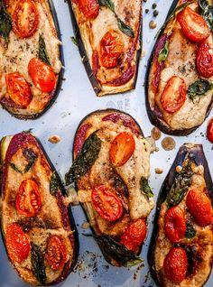 Not your standard Pizza delivery: Auberginen-Pizza-Bites mit Cashewcheese - Justine kept calm & went vegan