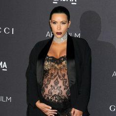 Kim Kardashian usa vestido transparente no LACMA 2015