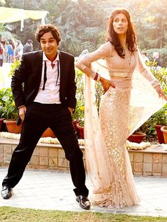 Big Bang Theory actor Kunal Nayyar and former Miss India Neha Kapur got married, way to go Raj! Big Bang Theory, The Big Theory, Wedding Sari, Bollywood Wedding, Wedding Dresses, Wedding Reception, Marriage Reception, Reception Dresses, Marriage Vows