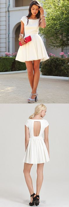 White Homecoming Dresses,Open Back Scoop Neck Girl Cocktail Party Gowns,Chiffon Ruffles Short Prom Dresses