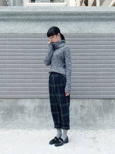 [morningdeer]さんの針織衫「 灰黑色素面高領毛衣」を使ったコーディネート