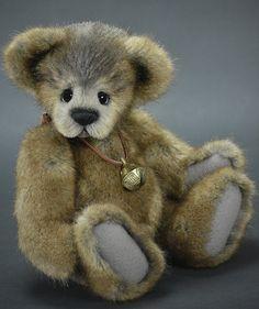 Roary - French Tissaval Faux Fur - www.vickylougher.com #artistbear #artistbears #teddybear #teddy #handmade
