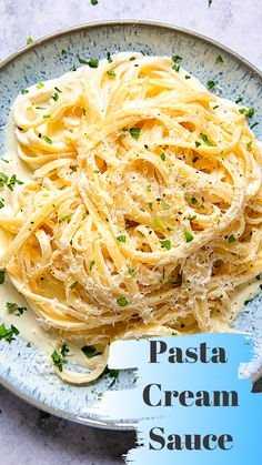 The Easiest Cream Sauce for Pasta Кулинария Sauce A La Creme, Cream Sauce Pasta, Cream Sauce Recipes, Italian Dishes, Italian Recipes, Pasta Dishes, Food Dishes, Pasta Food, Pasta Bake