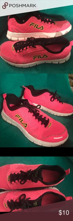 FILA Hot Pink Runabout Sneaker Super comfy FILA running shoes in hot pink. Gently worn with memory foam. These were too big for a 9.5! Fila Shoes Sneakers